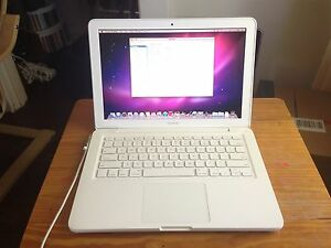 MacBook 2009 White Unibody