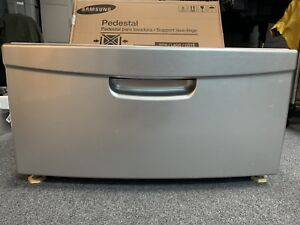 1 Samsung Pedestal