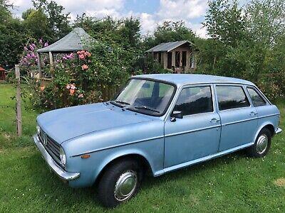 Austin maxi classic car
