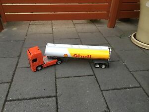 Diecast Kenworth Truck with hook on Shell plastic trailer Osborne Park Stirling Area Preview