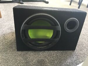 """Fusion 12"""" subwoofer w/ box and CS-AW1120 fusion amp"""