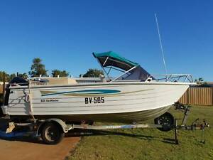 Stacer 525 Seamaster Boat and Trailer Very good Condition