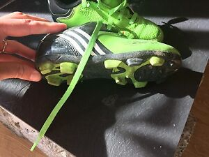 Kids soccer cleats