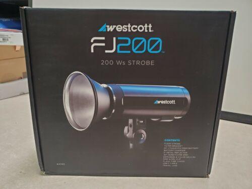 Westcott FJ200 Strobe 200 ws Kit New Open Box