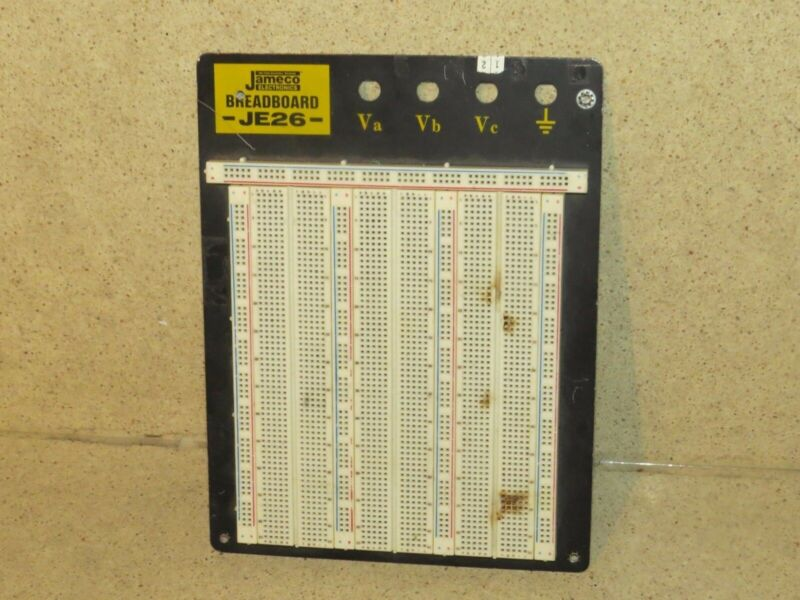 JAMECO ELECTRONICS MODEL JE26 BREADBOARD (A2)