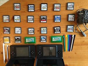 Nintendo ds lites and games