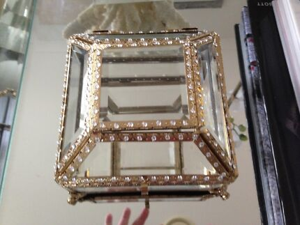 New Glass trinket/jewellery box North Lakes Pine Rivers Area Preview