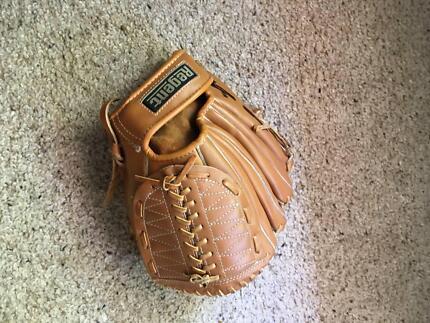 Softball Mitt - Junior