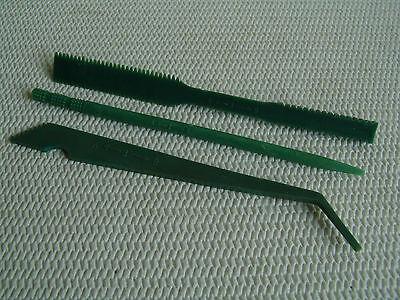 Waffenreinigungsset Kalaschnikow AKM, AK-47, AK47, Original aus Kunstoff.