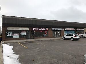 Large Clean Commercial/Retail unit for rent. Oshawa. 1425 sq ft