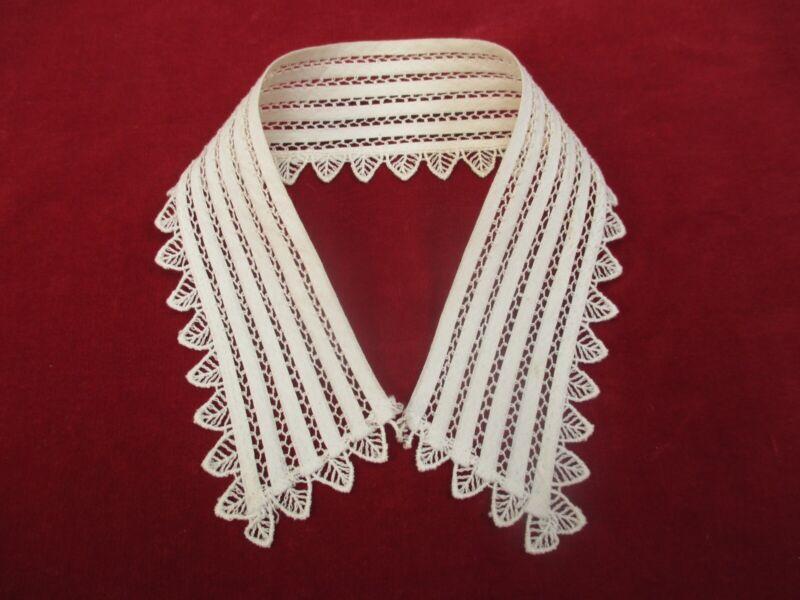 Antique Victorian lace collar