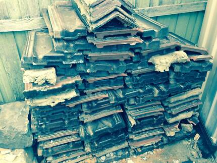 Free roof tiles Gladstone Park Hume Area Preview