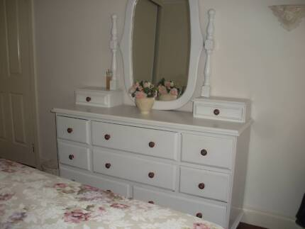 Dressing Table French Provincial - solid timber Clearview Port Adelaide Area Preview