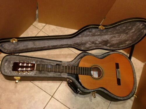 2014 JOSE RAMIREZ RA CLASSICAL GUITAR BRAND NEW EXCELLENT WITH CASE..GORGEOUS