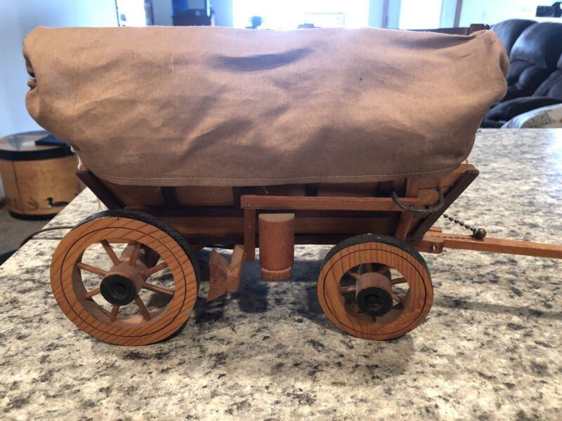 Large~ Vintage Wooden Western Covered Wagon Stagecoach NIGHT LIGHT LAMP WORKS