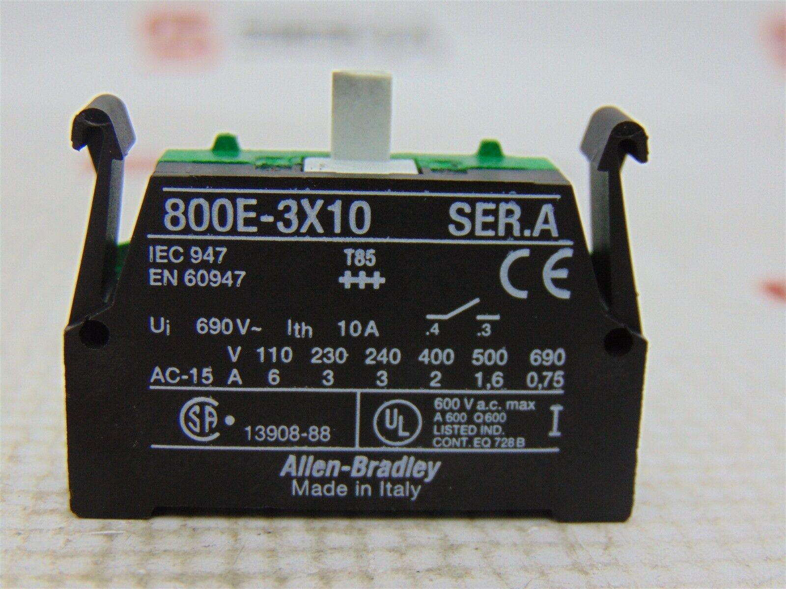 Allen-Bradley 800E-3X10 Normally Open Contact Block Ser A 690 VAC 10 A