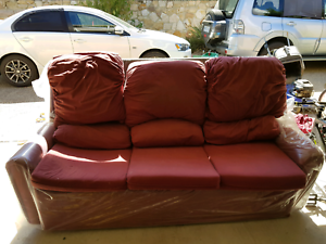 FREE 3 SEATER COUCH - MUST PICK UP Bruce Belconnen Area Preview