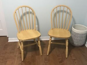 (2) Matching Dining Room Chairs / Chaises