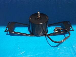 Moteur électrique 115 volts-1.55 Amps-RPM 1550