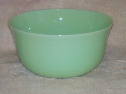 "Vintage JADEITE Large Green Milk Glass Bowl 9 3/4"" Jade"