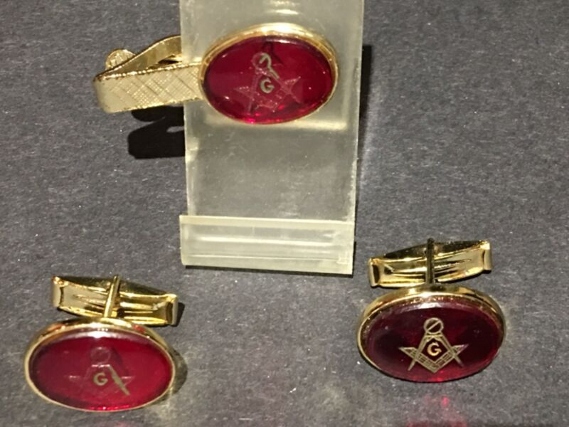 Freemasons Masonic tie clasp and cufflink set gold alloy and red enamel 1960's