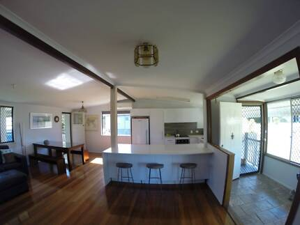 $460 per week, 3 bed/1bath house for rent by owner -CHERMSIDE W