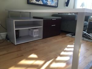 Executive Desk like new with chair