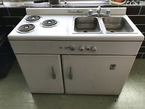 Vintage kitchette - Oven, stove, fridge, sink