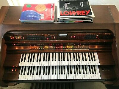 Beautiful Lowrey Promenade LX 400 Organ w/Bench