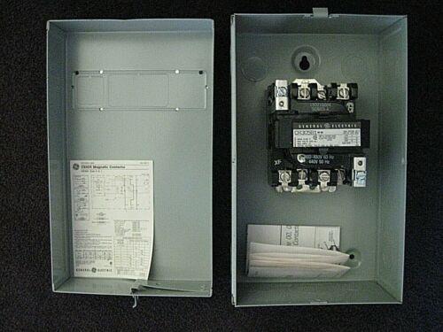 GE 300 Line Control Magnetic Contactor CR305B1 Nema 0 18A 460-480V w/Encl