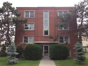 Central 2 bed, heat & water included! 4-311 Westdale