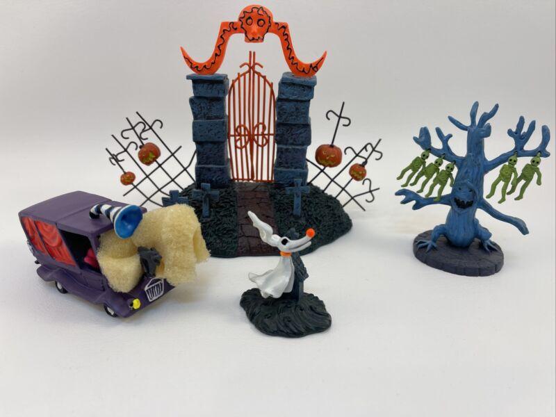 Nightmare Before Christmas Black Light Village Figurine Gate Zero Car Disney