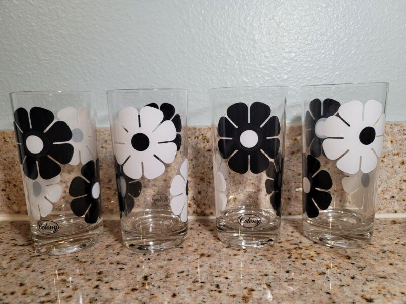 Vintage 4pc COLONY Mod Flower Daisy Black & White Tumblers Glasses Retro