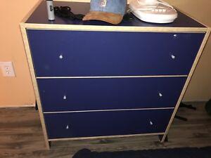 Bureau Ikea à donner