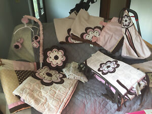 Adorable baby girl crib set!!