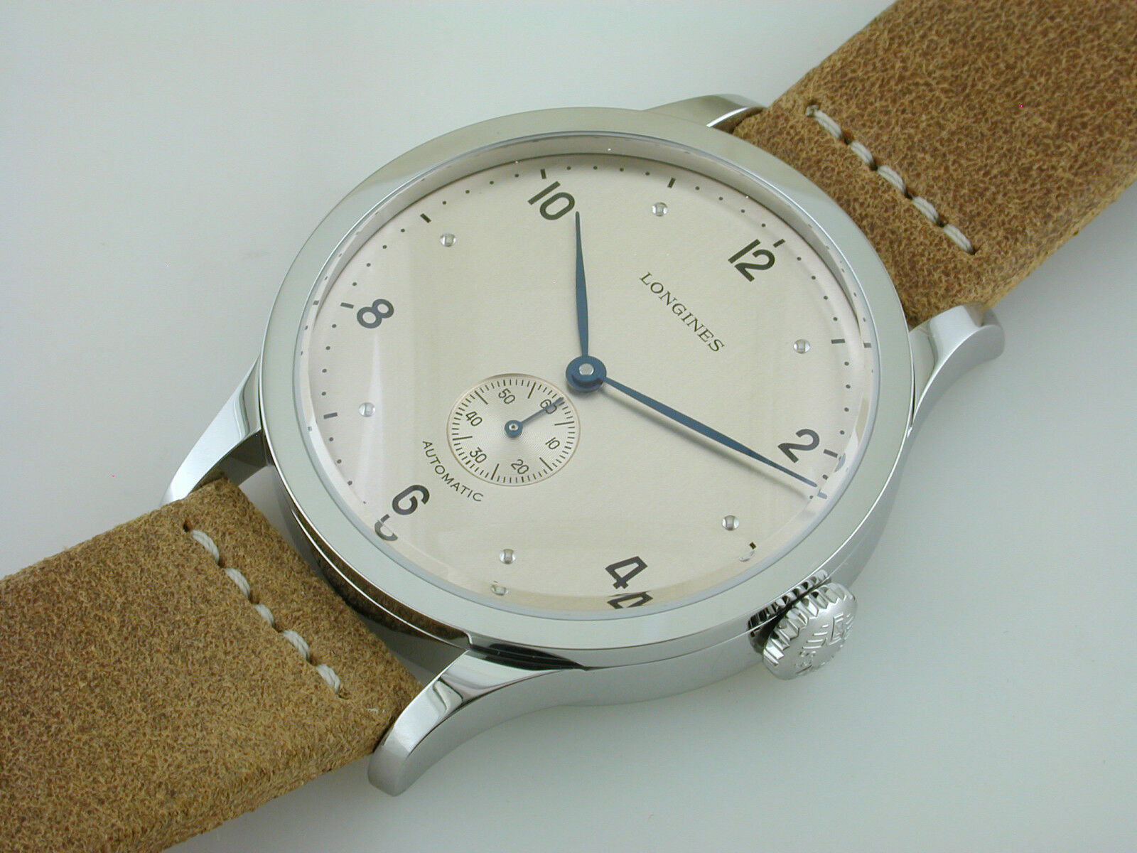 Watch picture 4