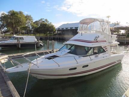 28 FT Leeder Flybridge Cruiser Boat For Sale
