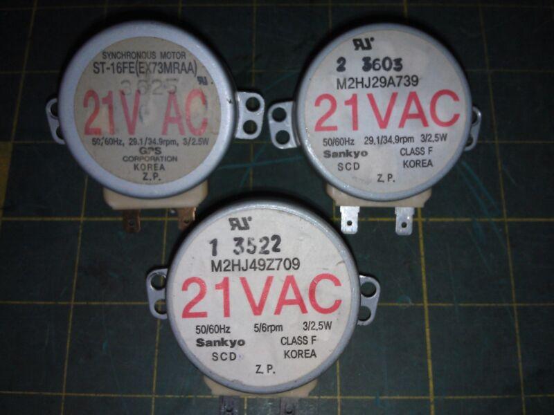 "7TT43 3 PACK 2"" MOTORS, 21VAC: (2) 35 RPM SQUARE SHAFT & (1) 6 RPM D-SHAFT, VGC"