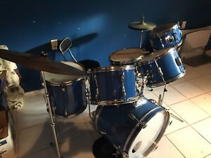 Pearl 9 piece drumd no longer available