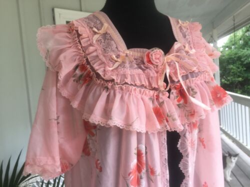 Gorgeous Peach Pink Vintage Floral Nylon Robe size Large