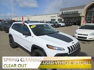 2016 Jeep Cherokee Trailhawk *Loaded*