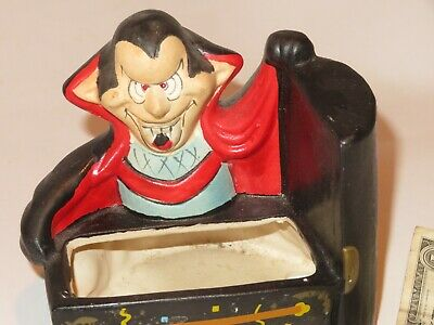 Dracula Halloween Vintage Coffin Planter 1989 Design House (Y160)