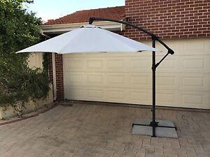 Coolaroo Cantilever Outdoor Umbrella North Perth Vincent Area Preview
