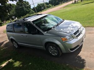 2010 Dodge Grand Caravan full stow and go