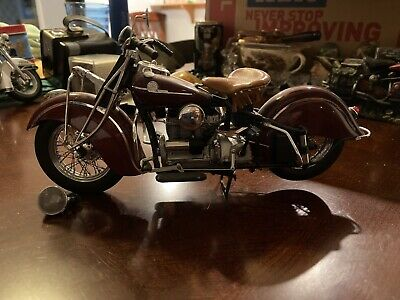 1942 Indian 442 Motorcycle FMPM Franklin Mint 1:10 Model Red Vintage Collectors