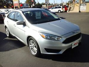 2015 FORD FOCUS SE- HEATED FRONT SEATS, BLUETOOTH, REAR VIEW CAM
