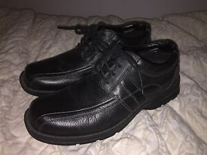 Dress Shoes sz 8 Dockers