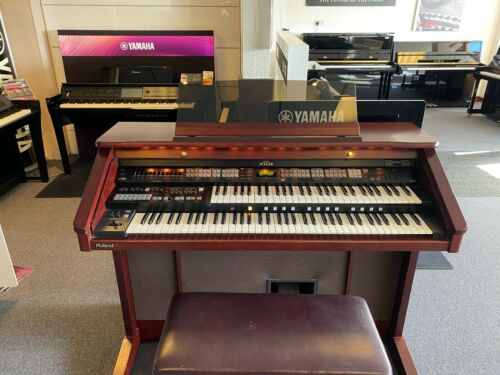 Roland AT80R Organ including free Mainland UK Delivery