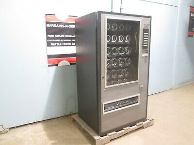 Commercial Coin Operated Lighted 30 Selections Snackcigarette Vending Machine