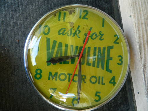 1950s Valvoline Motor Oil light-up station clock